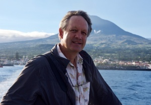 """We can learn from islands that it is not a lost cause to think about climate change and addressing world problems"": George Roderick interviewed for cE3c"